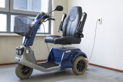 mobility scooter 1372965 250
